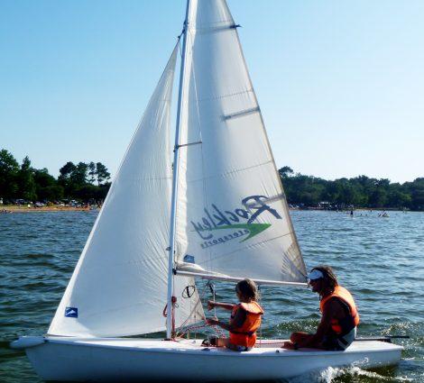 Equipe en navigation sur le lac de Biscarrosse Parentis